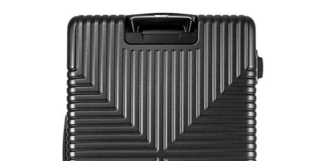 耐久性の高いスーツケース
