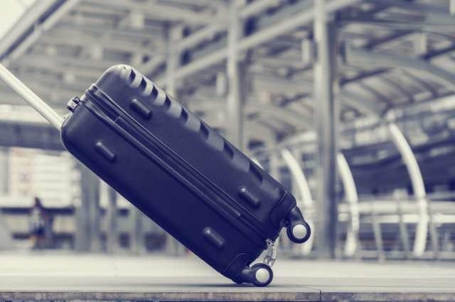 黒色のスーツケース
