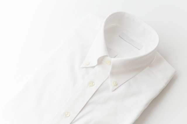 ワイシャツを綺麗に折りたたむ