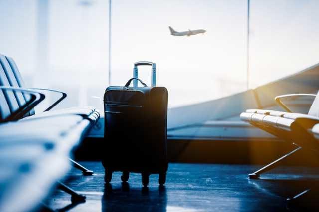 空港にあるスーツケース