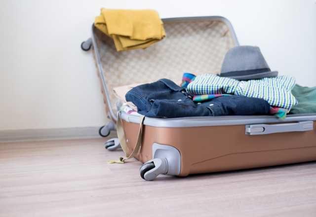 スーツケースの荷物